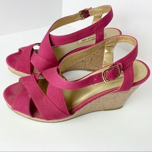 American Eagle Wedge Sandals Pink Size 7